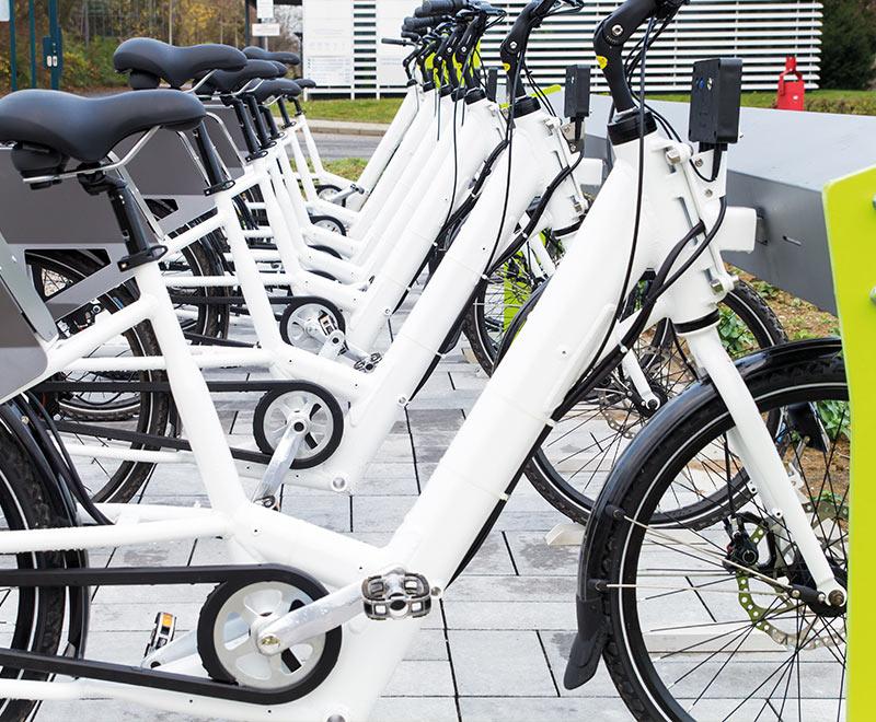 Des stations de vélos électriques